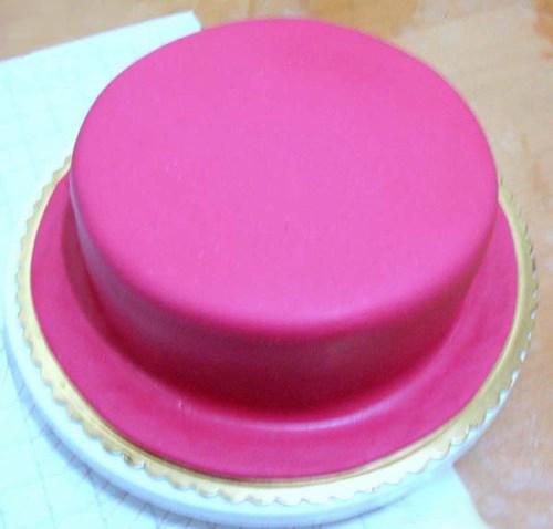 торт, обтянутый сахарной мастикой