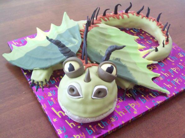 торт в виде дракона
