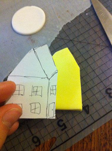 вырезанный домик