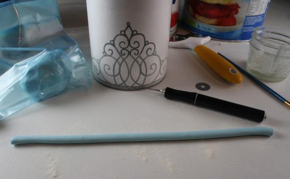 веревочка из синей мастики