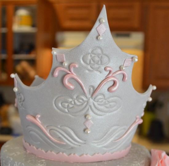серебряная корона из мастики